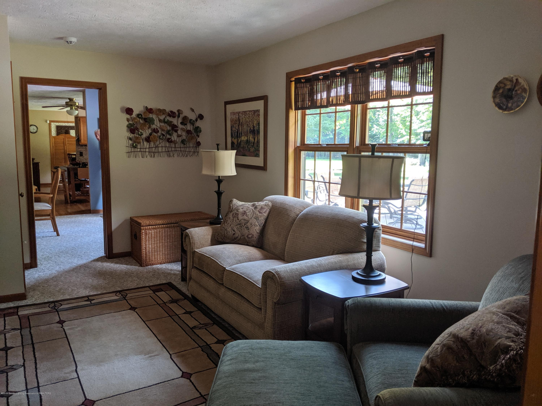9505 Oneida Rd - Living room - 20