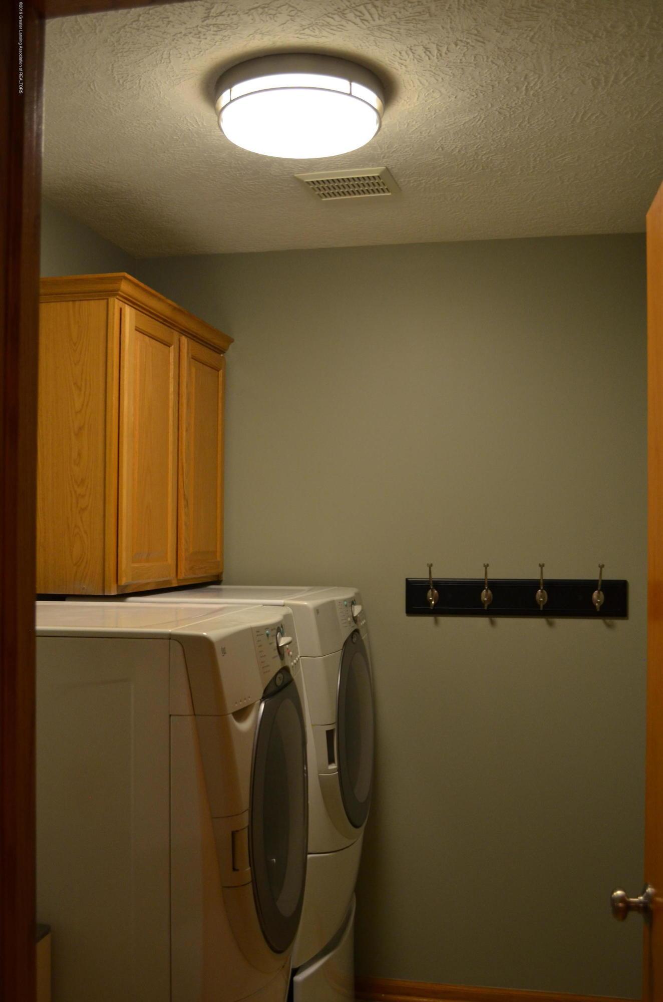 2185 Aspenwood Dr - 1st Floor Laundry - 15