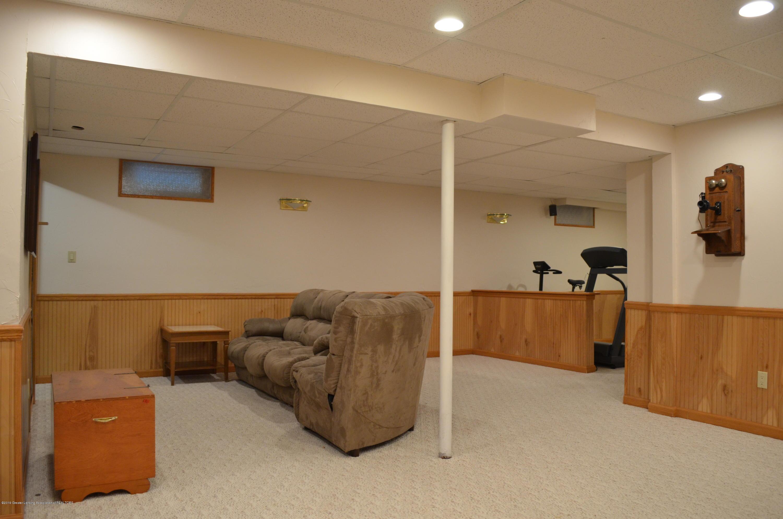 2185 Aspenwood Dr - LL Family Room - 26