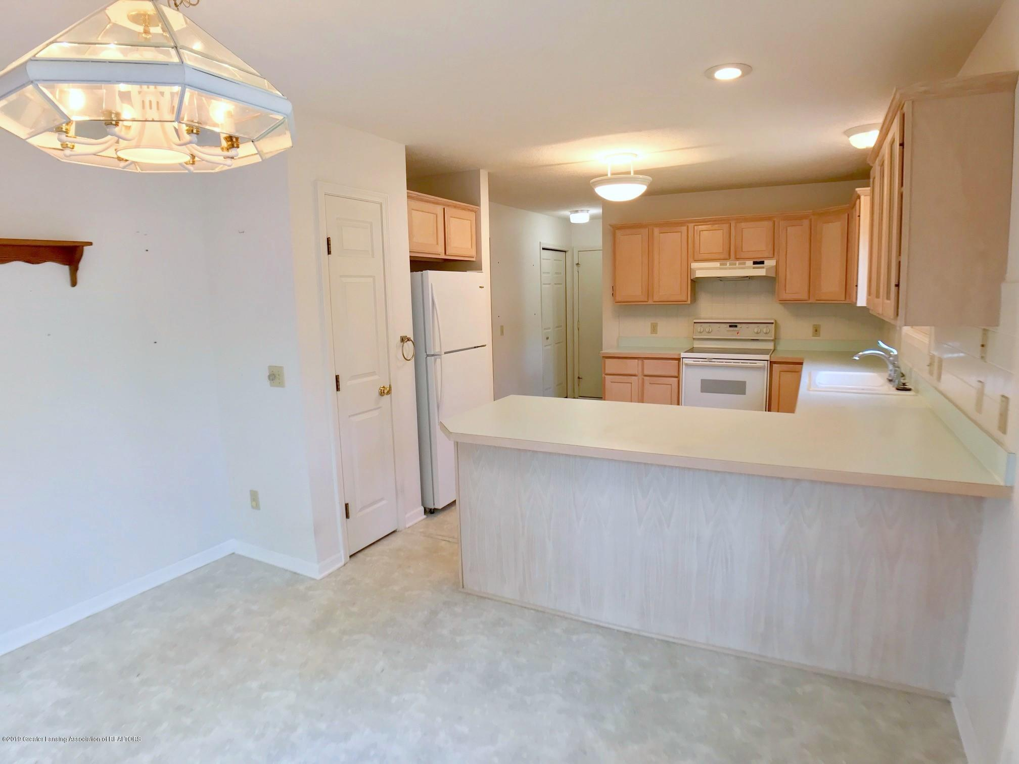 2321 Barnsbury Rd - Eating Area / Kitchen - 8