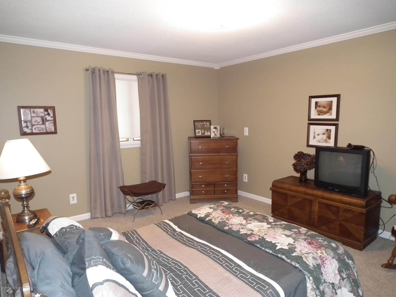 5600 Grand River Dr - Bedroom 2 a - 28