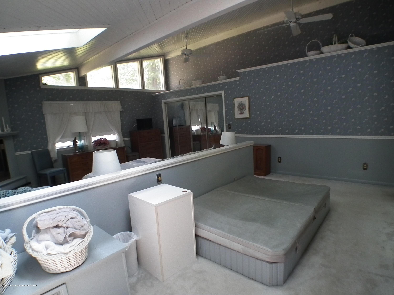 5600 Grand River Dr - Master bedroom b - 22