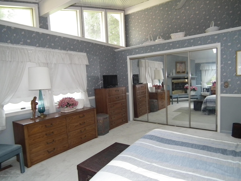 5600 Grand River Dr - Master bedroom d - 24