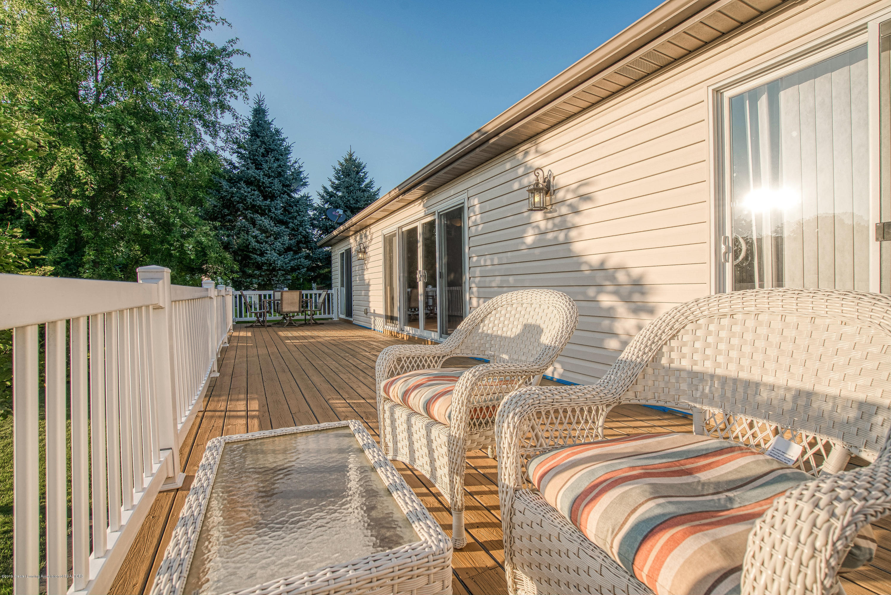 11996 Sara Ann Dr - Your lovely refinished deck - 16