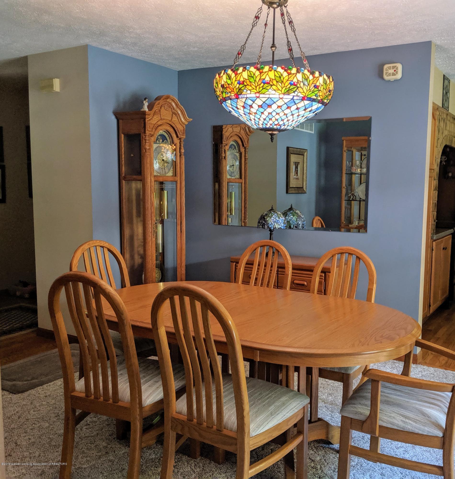 9505 Oneida Rd - Dining Room - 21