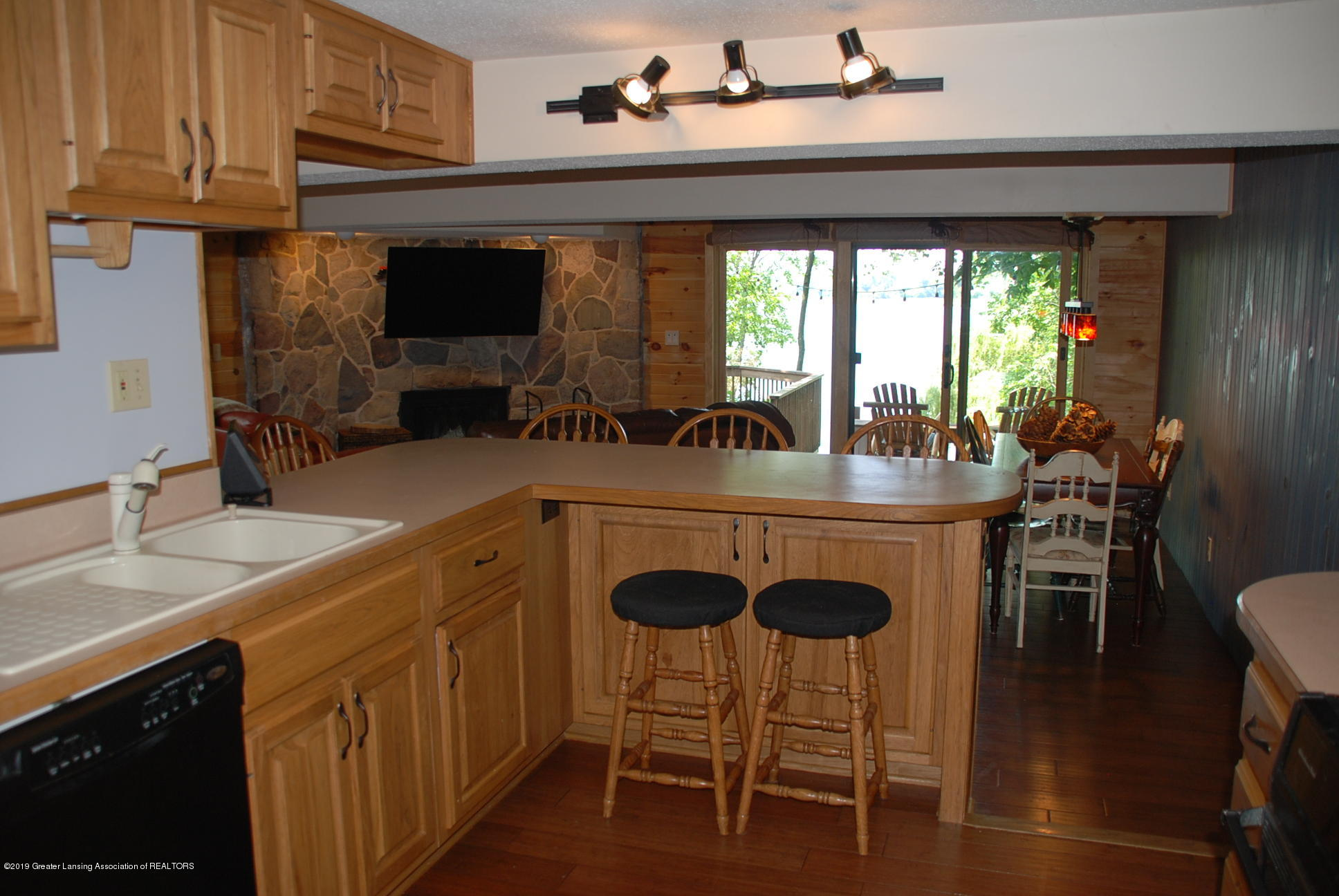 15474 Park Lake Rd - Kitchen - 13