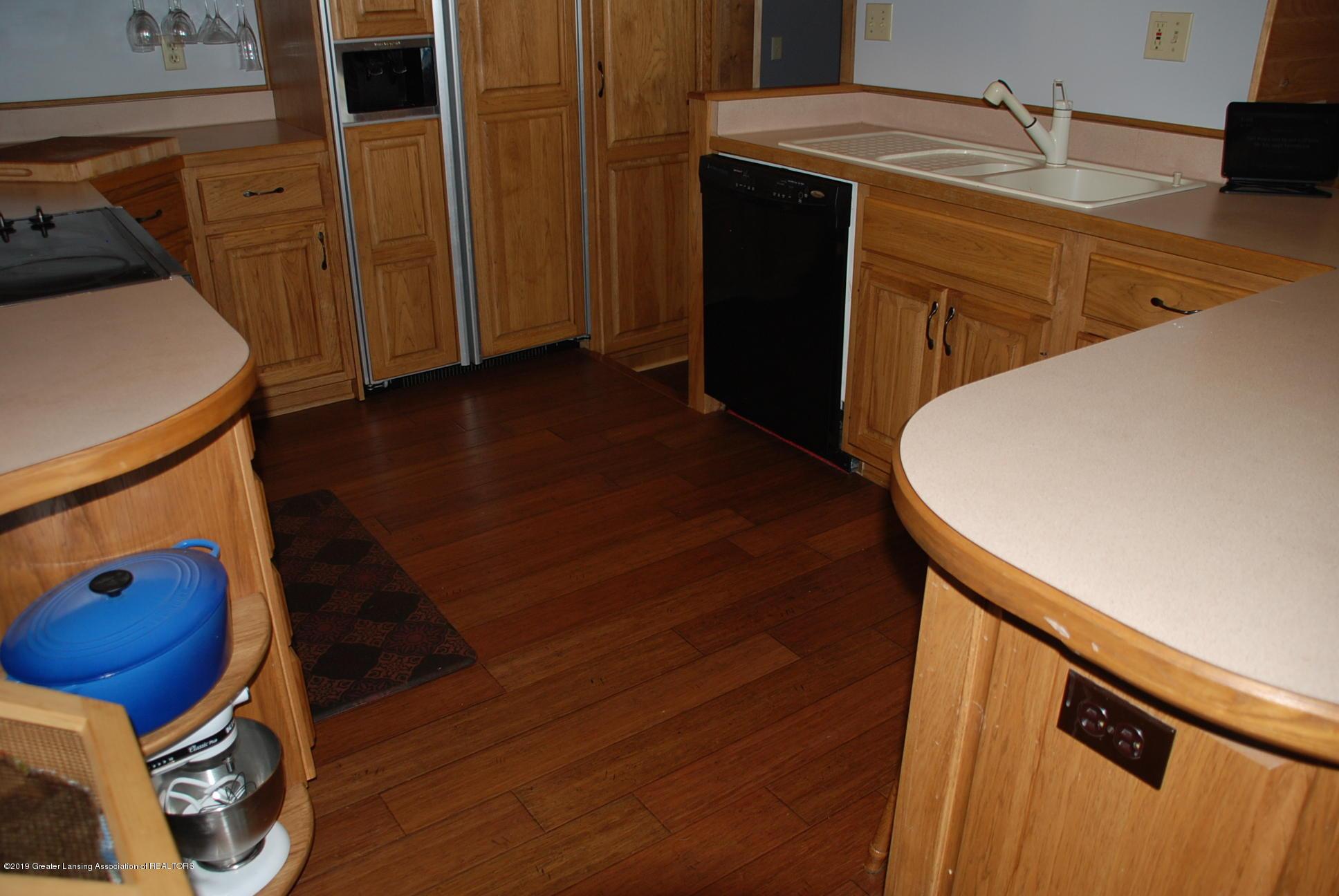 15474 Park Lake Rd - Kitchen - 14