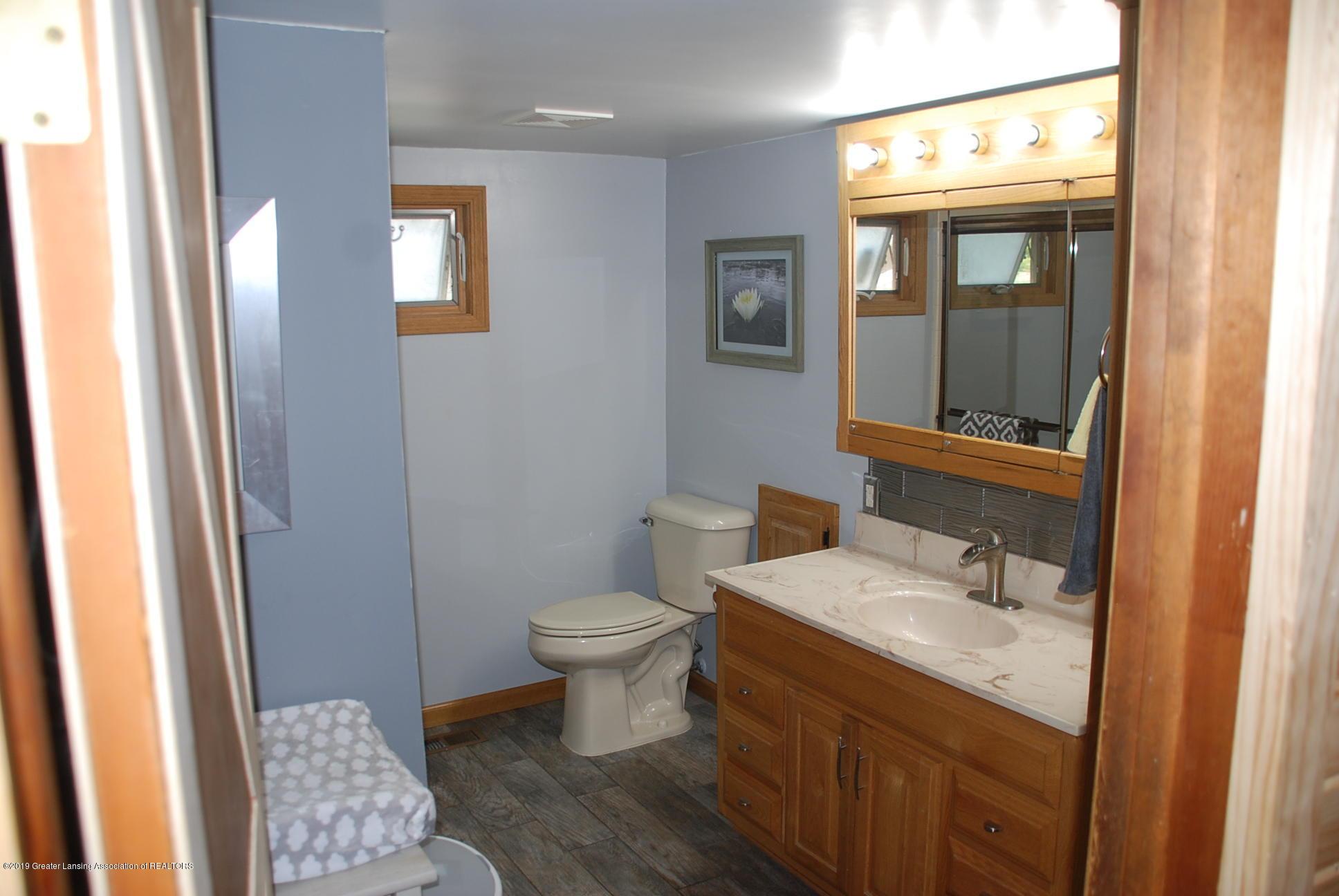 15474 Park Lake Rd - Bathroom - 16