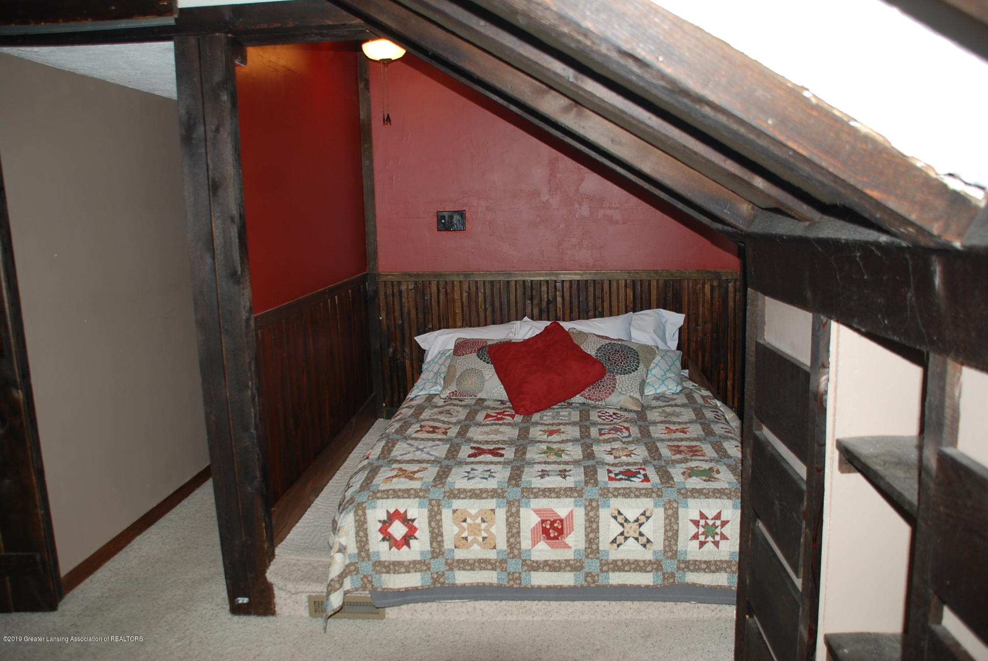 15474 Park Lake Rd - Master Bedroom - 23
