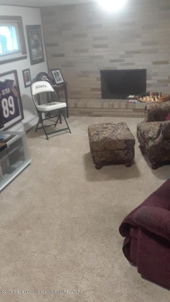 4841 Sutherland Dr - family room - 6