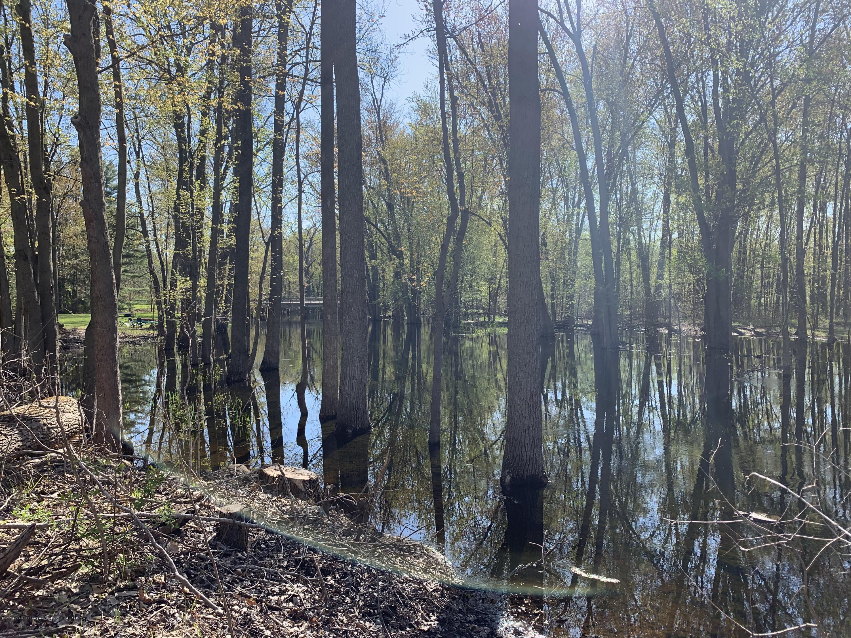 0 E Round Lake Rd - River - 11