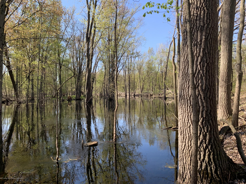 0 E Round Lake Rd - River - 12