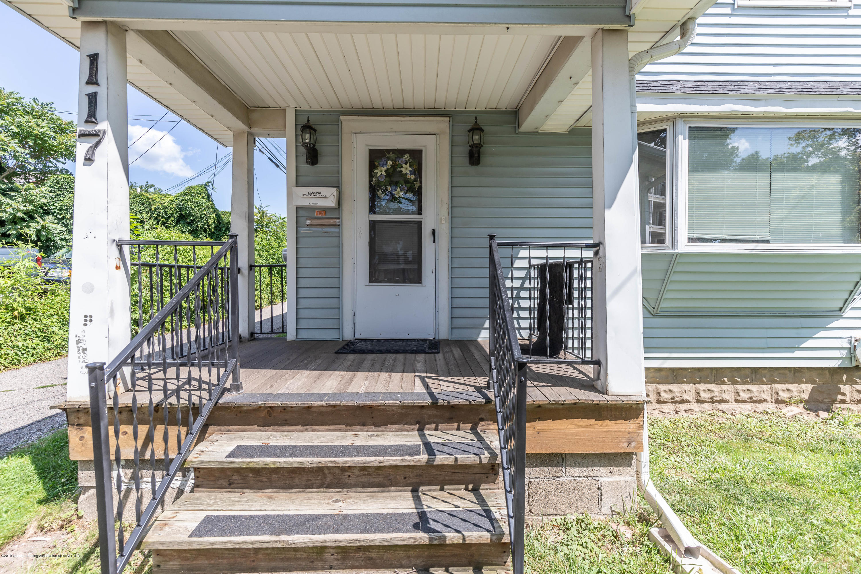 117 S Hayford Ave - Front porch - 2