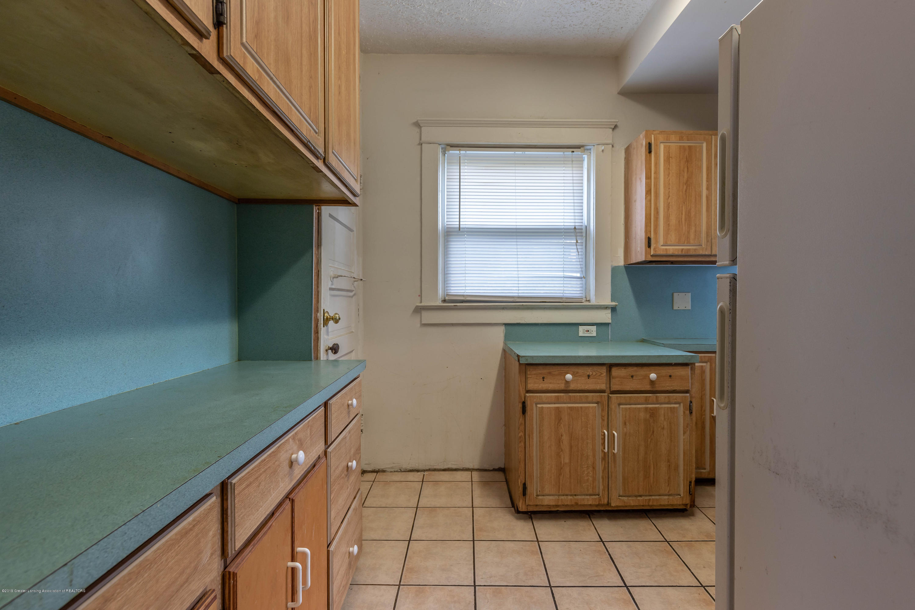 117 S Hayford Ave - Kitchen - 8
