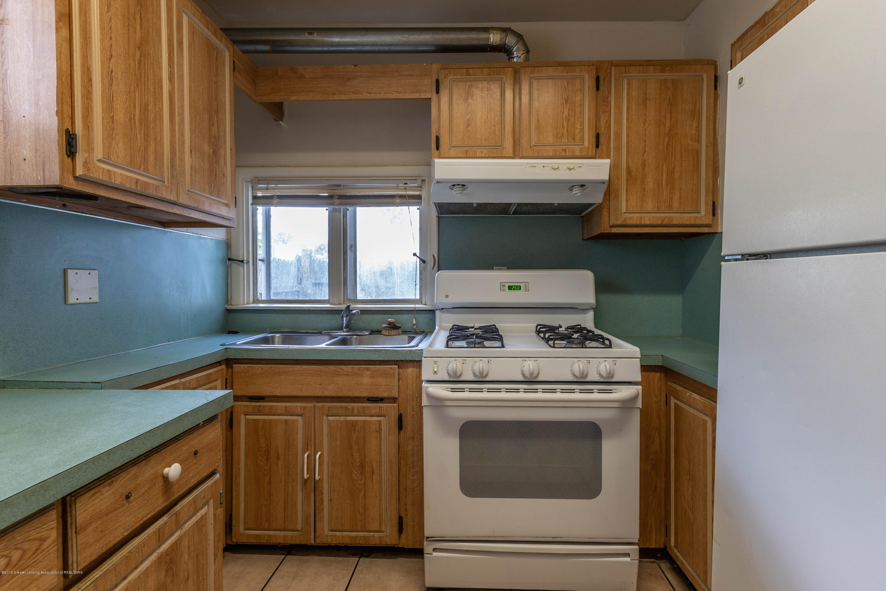 117 S Hayford Ave - Kitchen - 7