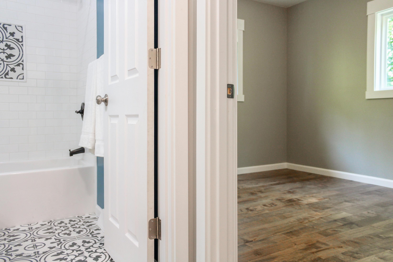 2331 Hulett Rd - Upstairs Bathroom and Bedroom 2 - 16