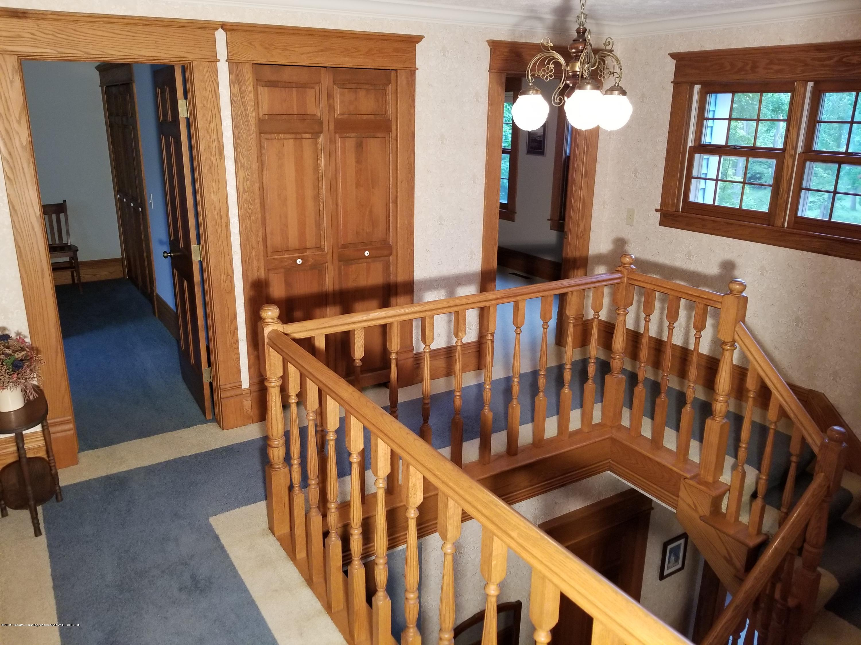 5402 River Bend Cir - 09 Stairs 08 - 18