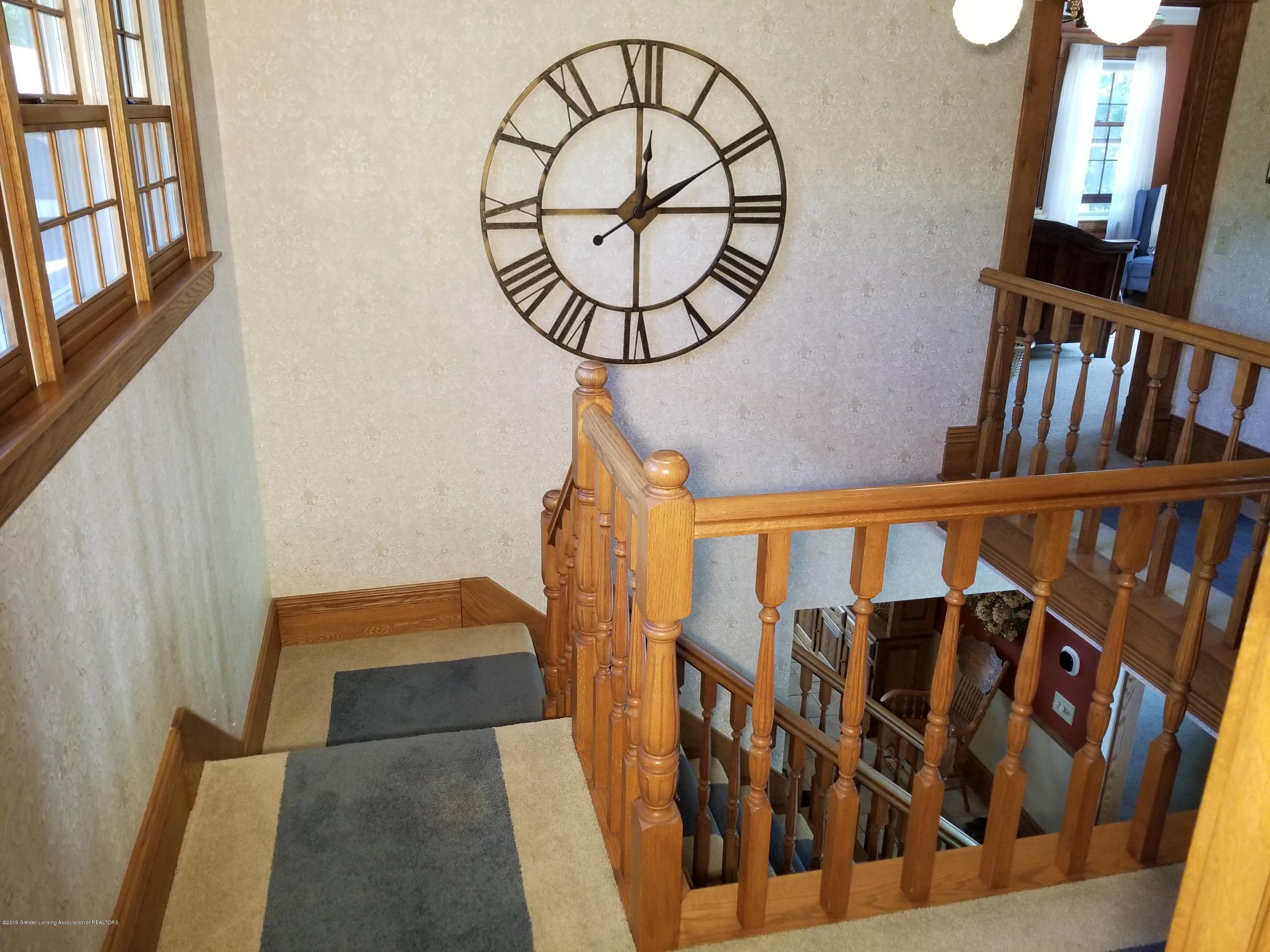 5402 River Bend Cir - 12 Stairs 05 - 19