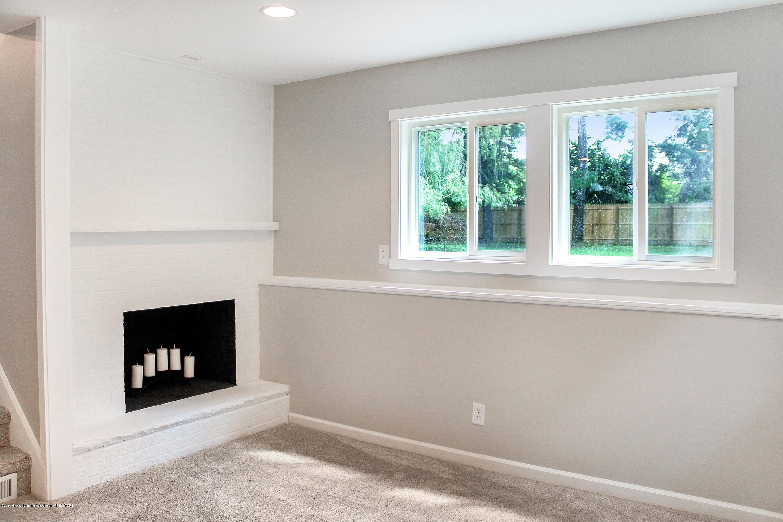 2331 Hulett Rd - Brick Fireplace - 24