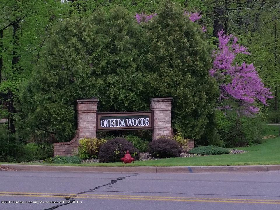 5402 River Bend Cir - Entrance to Oneida Woods - 60
