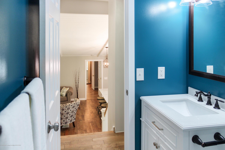 2331 Hulett Rd - Upstairs Bathroom - 21