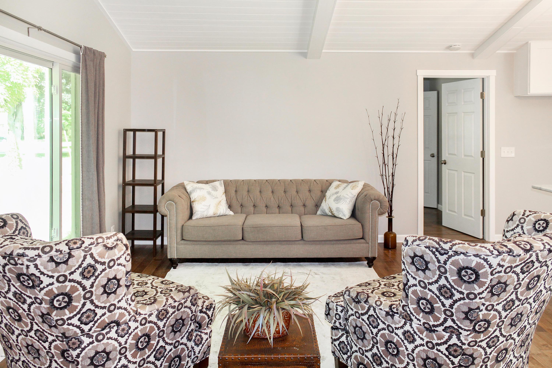 2331 Hulett Rd - Living Room - 7