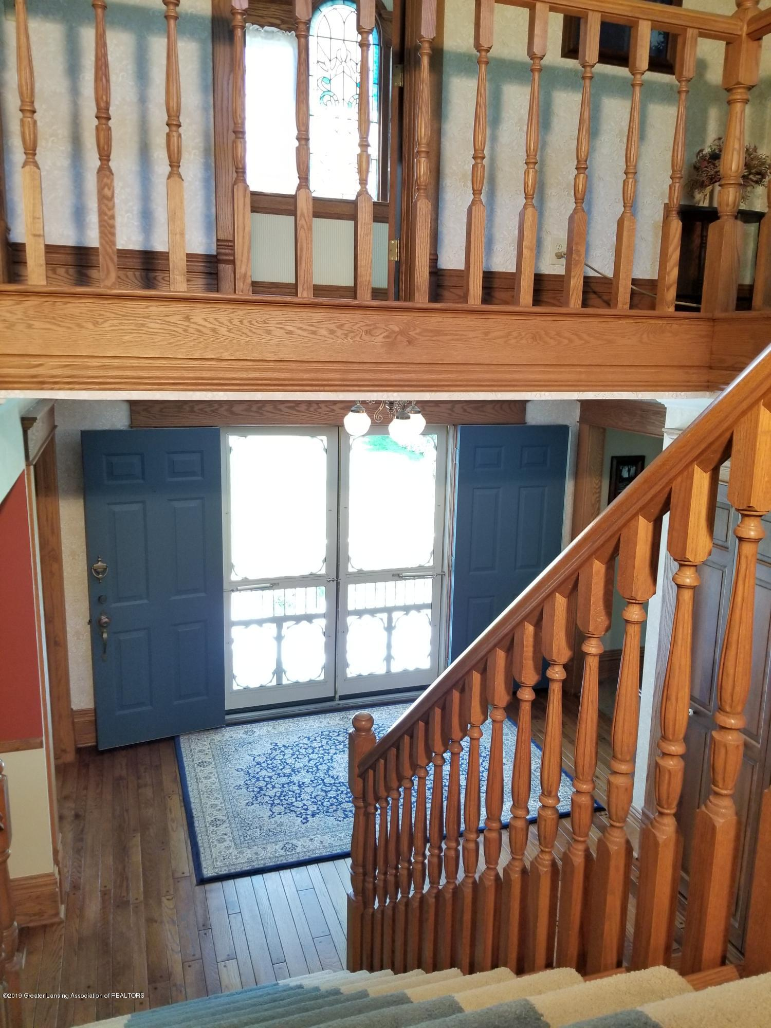 5402 River Bend Cir - 25 Stairs 07 - 4