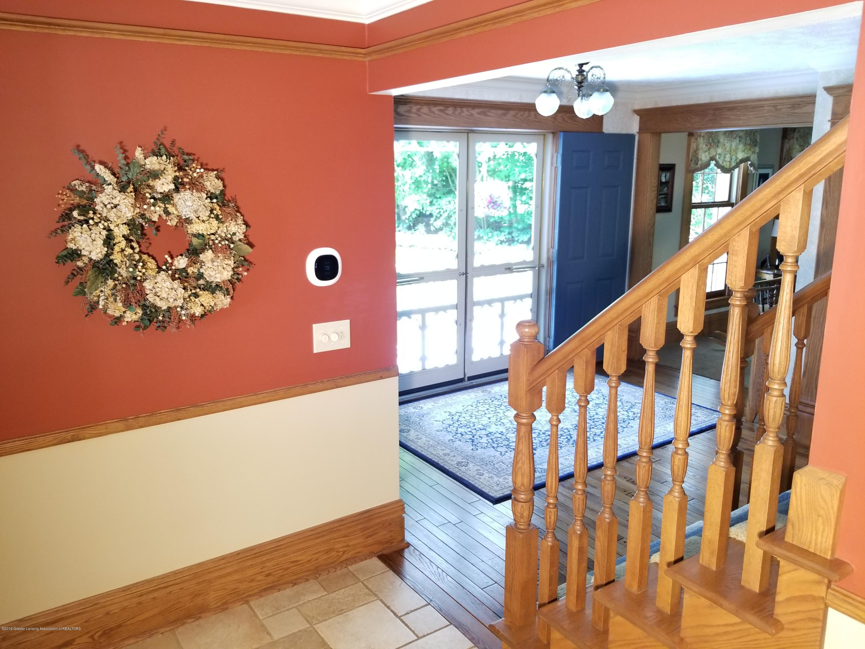 5402 River Bend Cir - 26 Dining to Foyer - 9