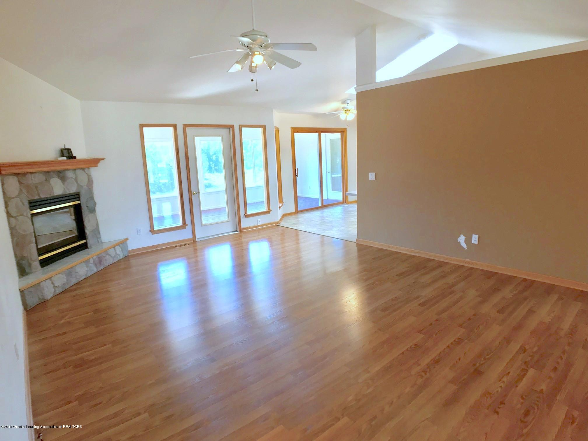 6523 W Hibbard Rd - Living Room - 7