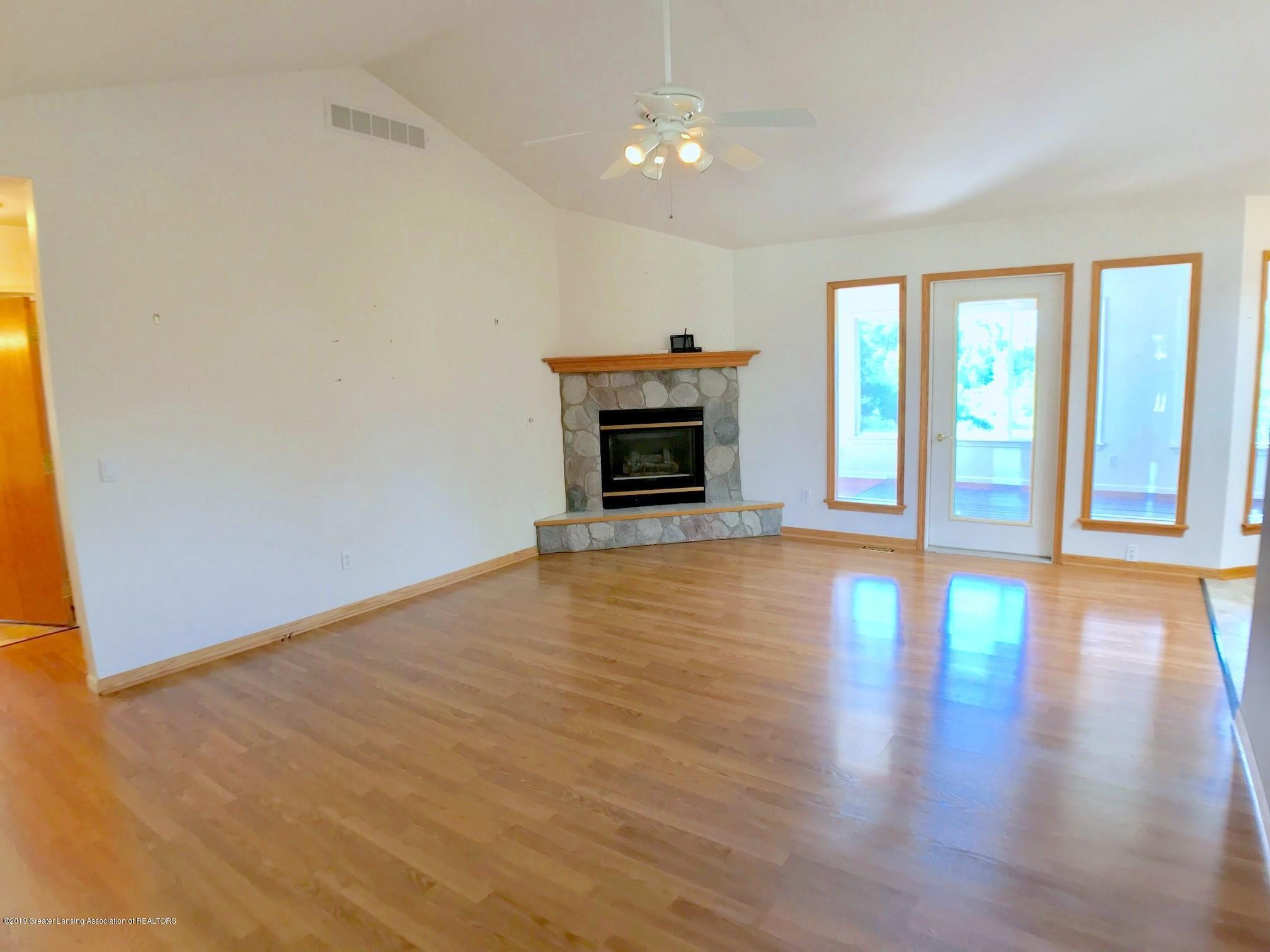6523 W Hibbard Rd - Living Room - 8