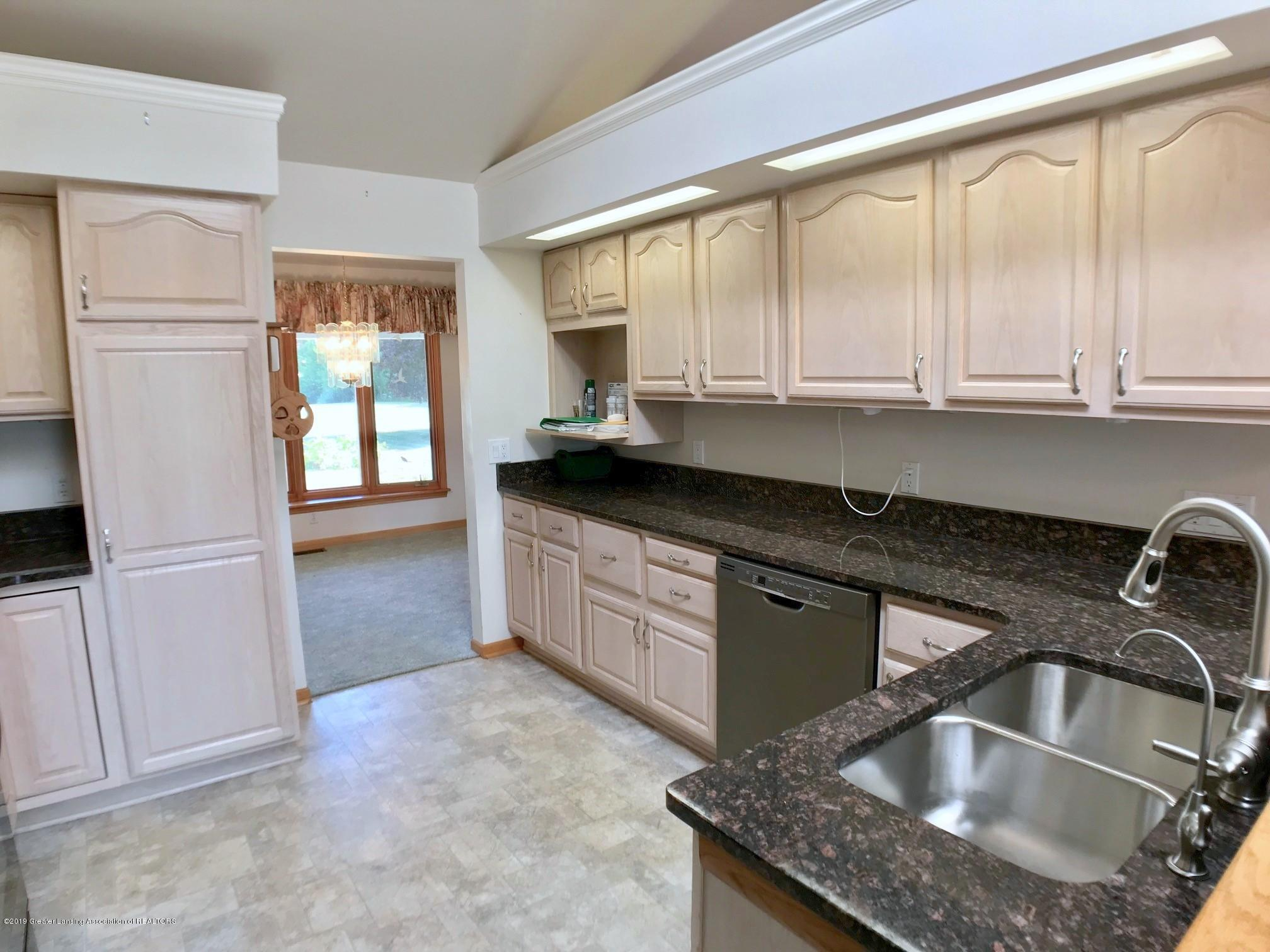 6523 W Hibbard Rd - Kitchen - 12