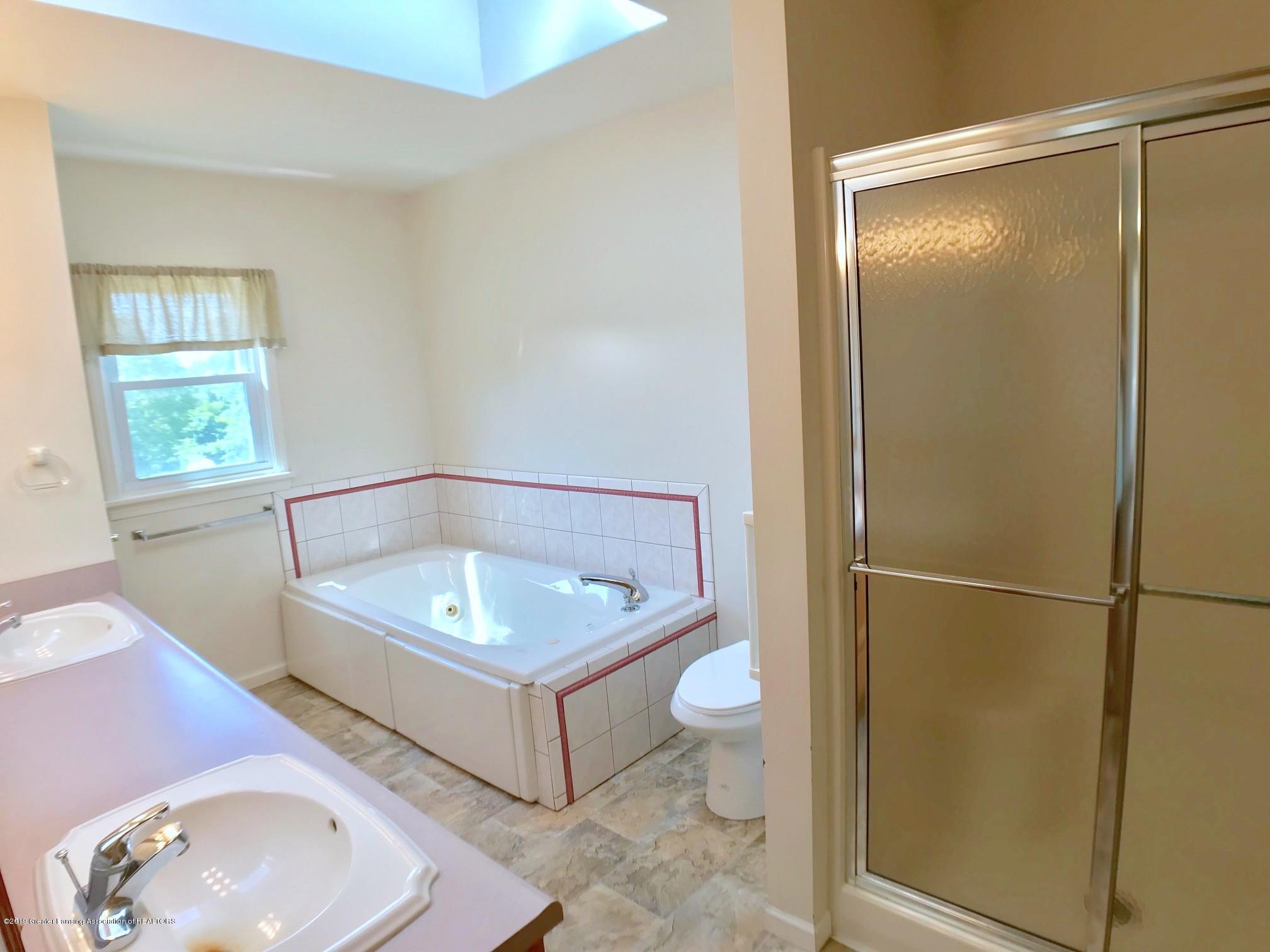 6523 W Hibbard Rd - Master Bath - 19