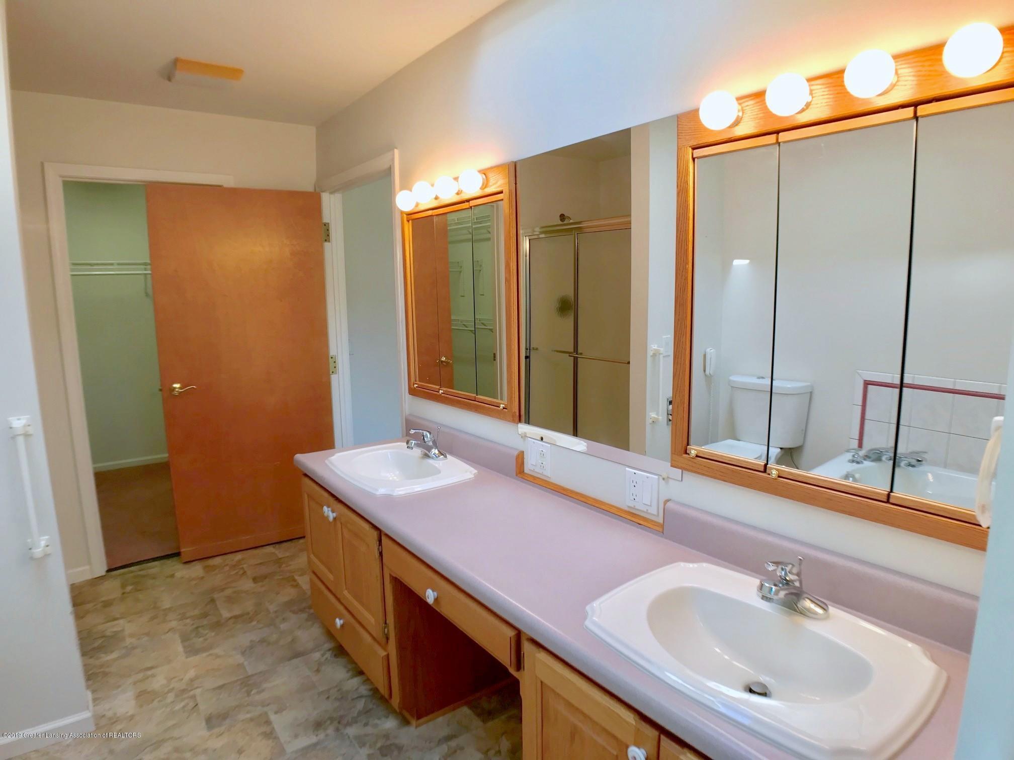 6523 W Hibbard Rd - Master Bath - 20