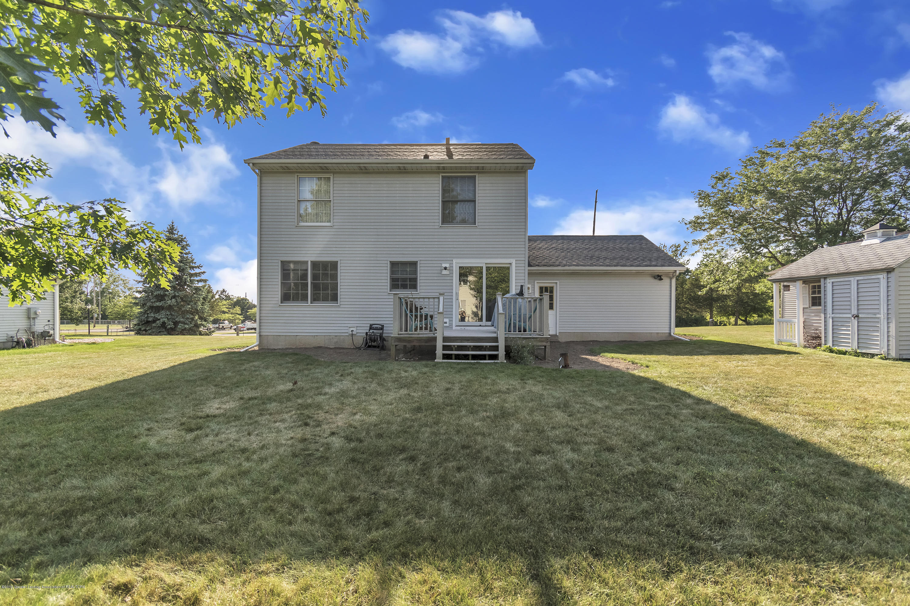 2350 Pine Tree Rd - 2350-Pine-Tree-Rd-Holt-MI-windowstill-38 - 33