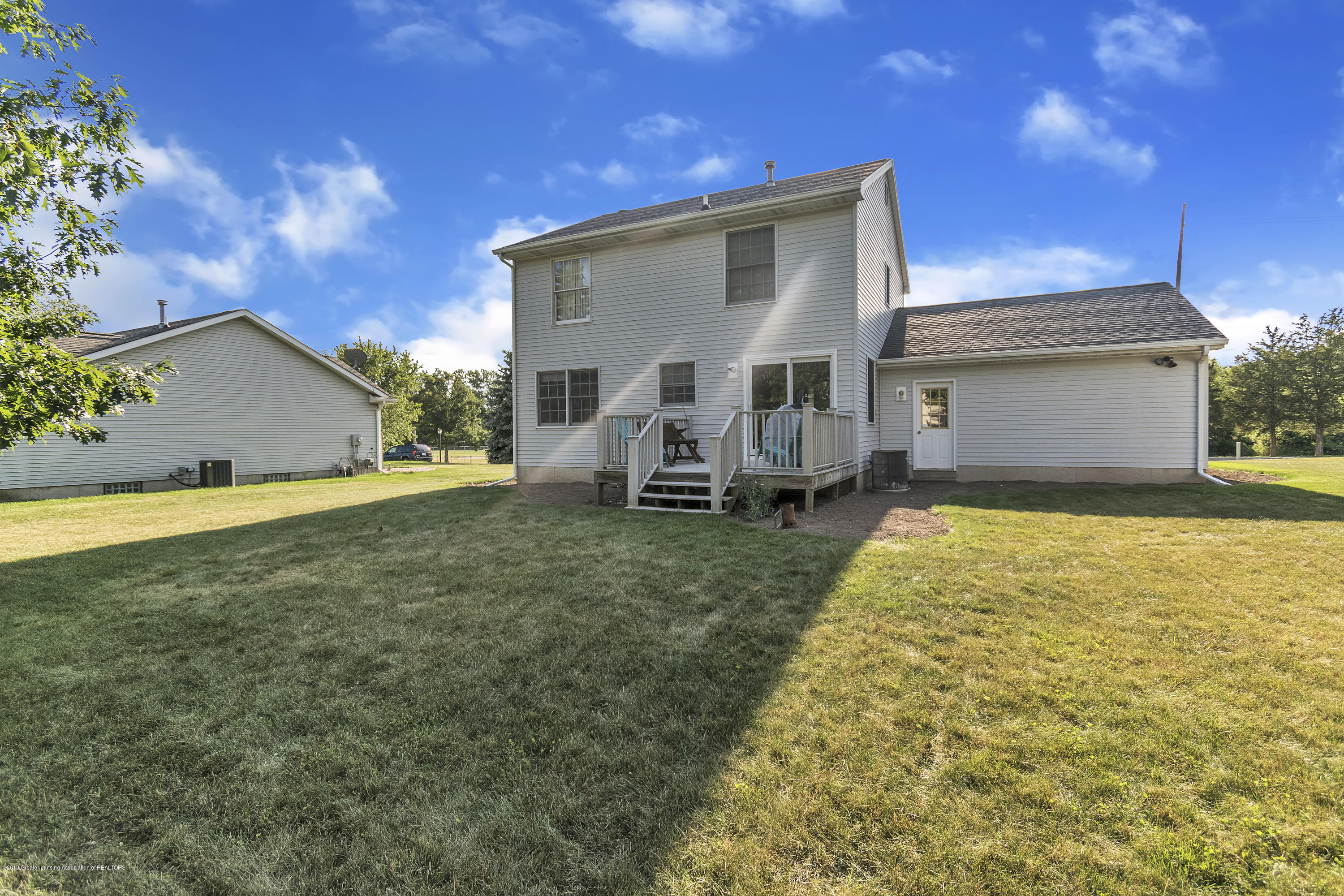 2350 Pine Tree Rd - 2350-Pine-Tree-Rd-Holt-MI-windowstill-39 - 41