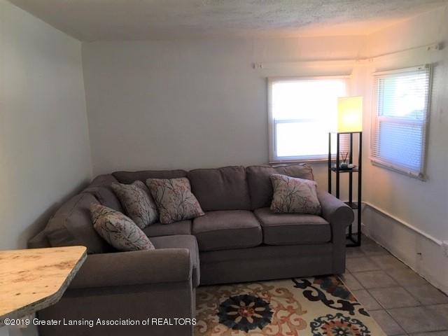 904 E Webb Dr - Living Room - 2