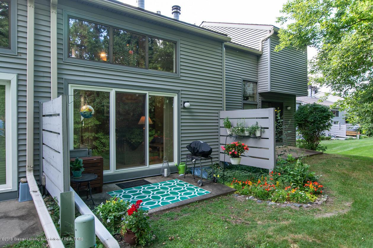 3673 E Meadows Ct - exterior rear patio - 18