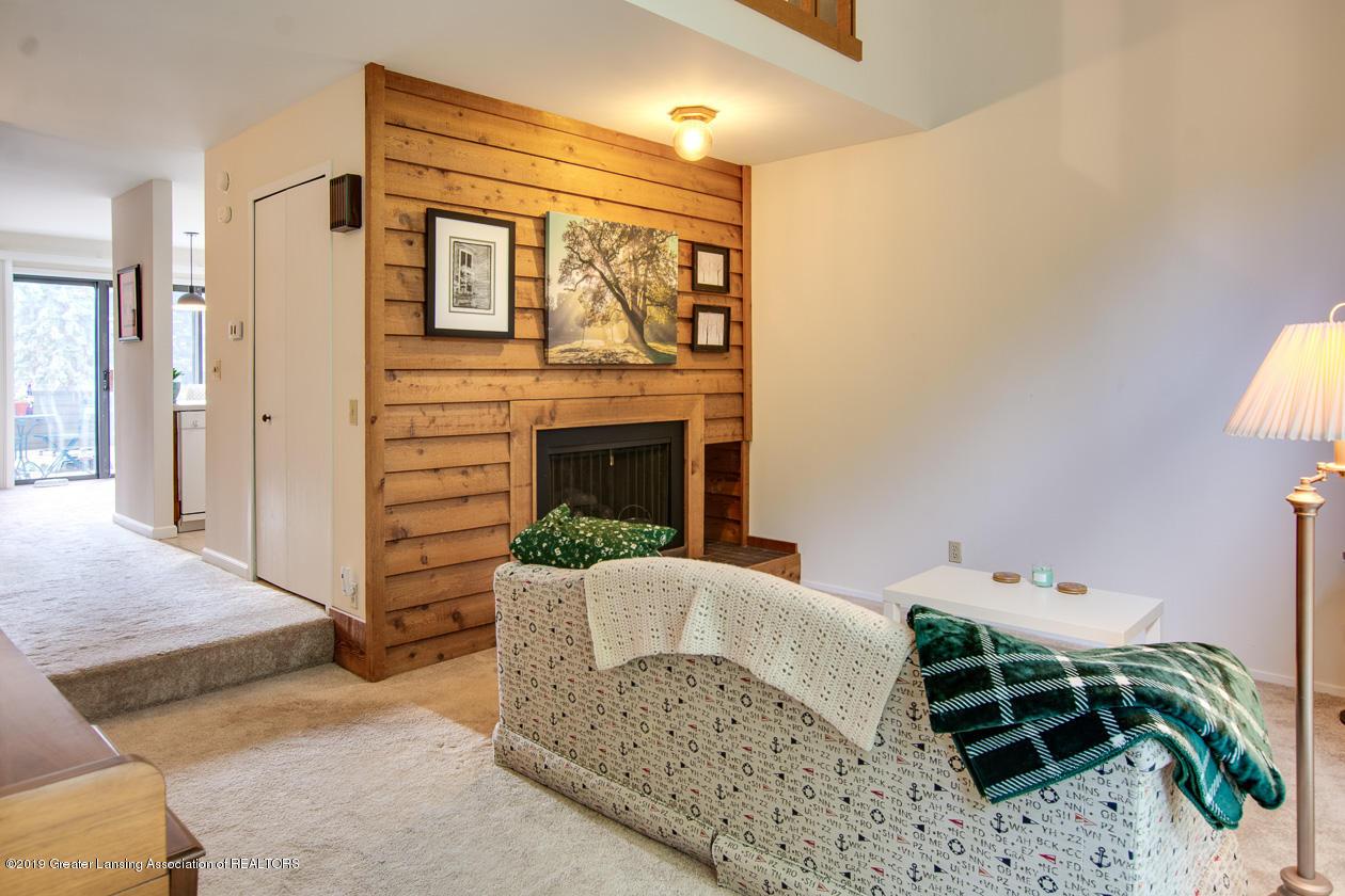 3673 E Meadows Ct - Living Room - 4