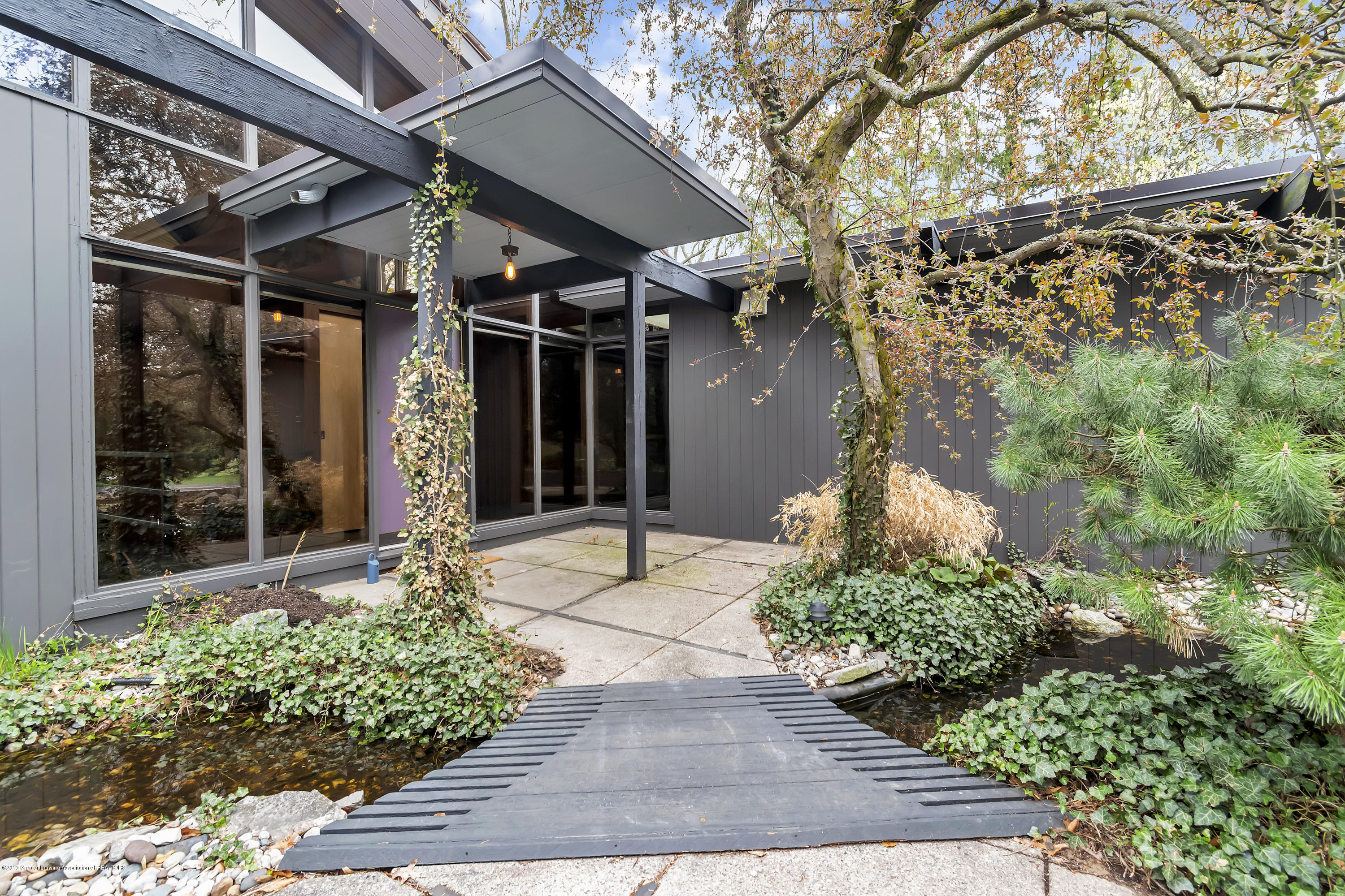 4702 Huron Hill Dr - Entry Way - 6