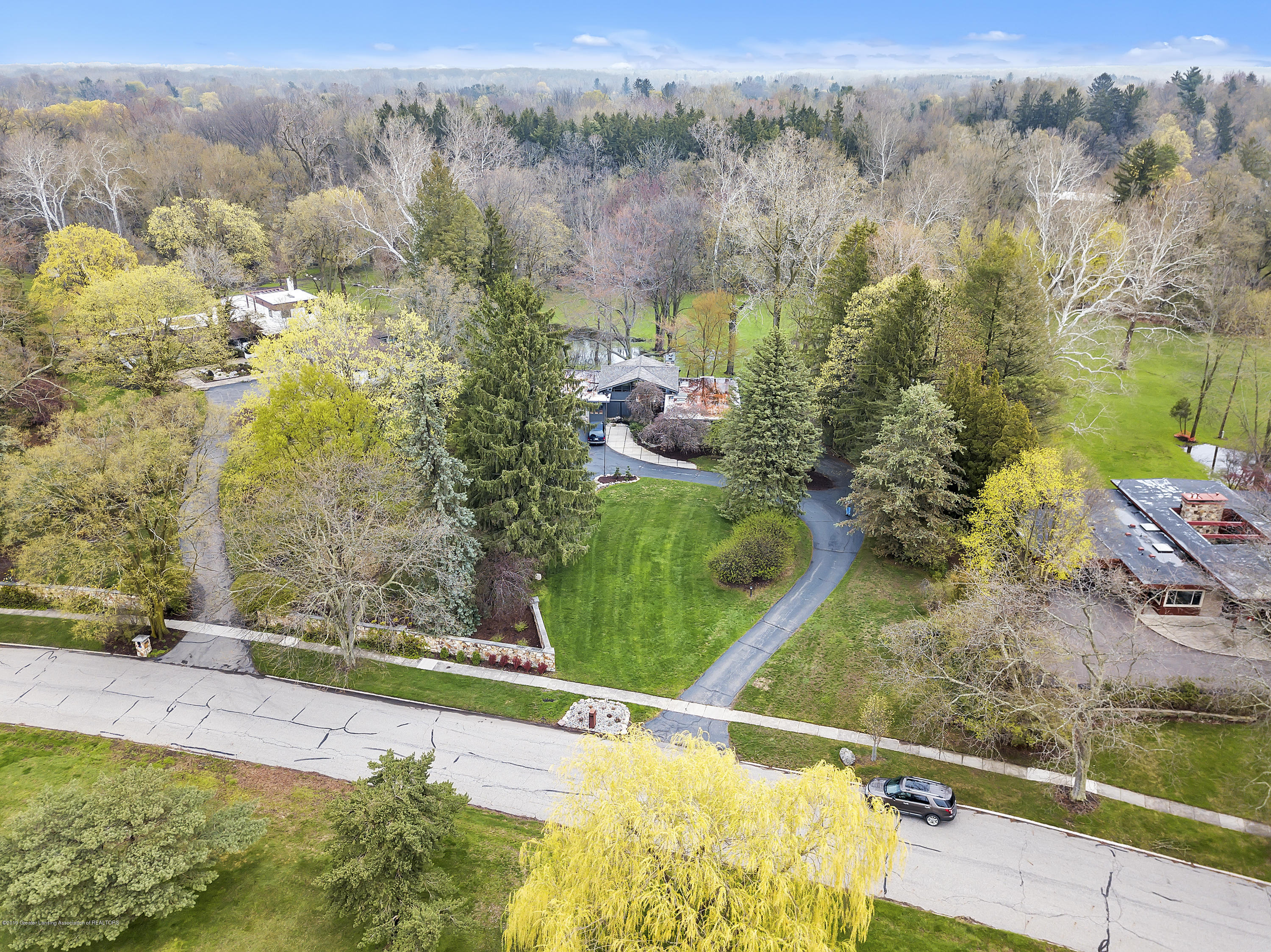 4702 Huron Hill Dr - Aerial View - 46