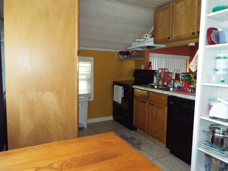 1218 Theodore St - Upper L Kitchen - 20