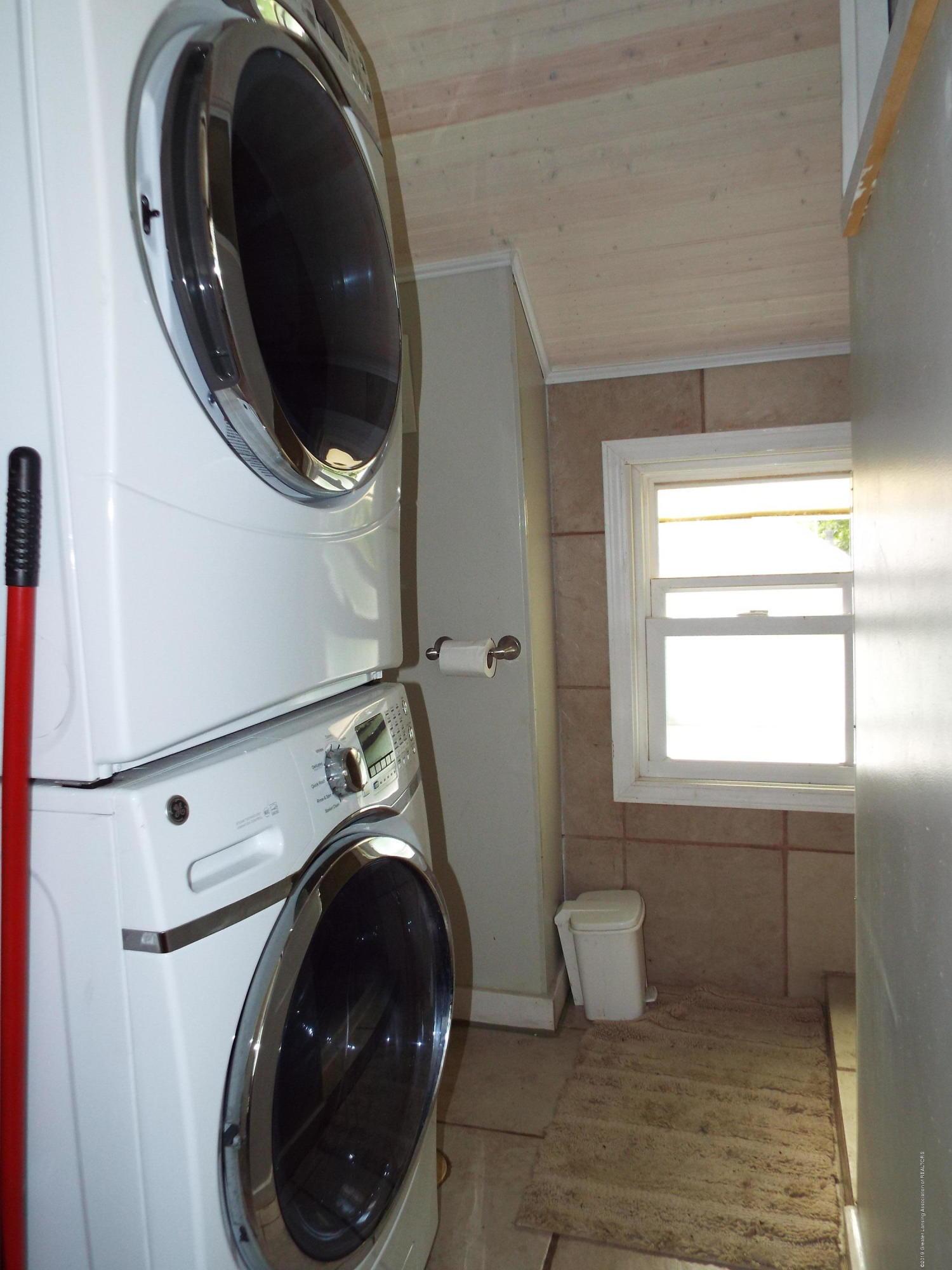 1218 Theodore St - Bath/Laundry - 22
