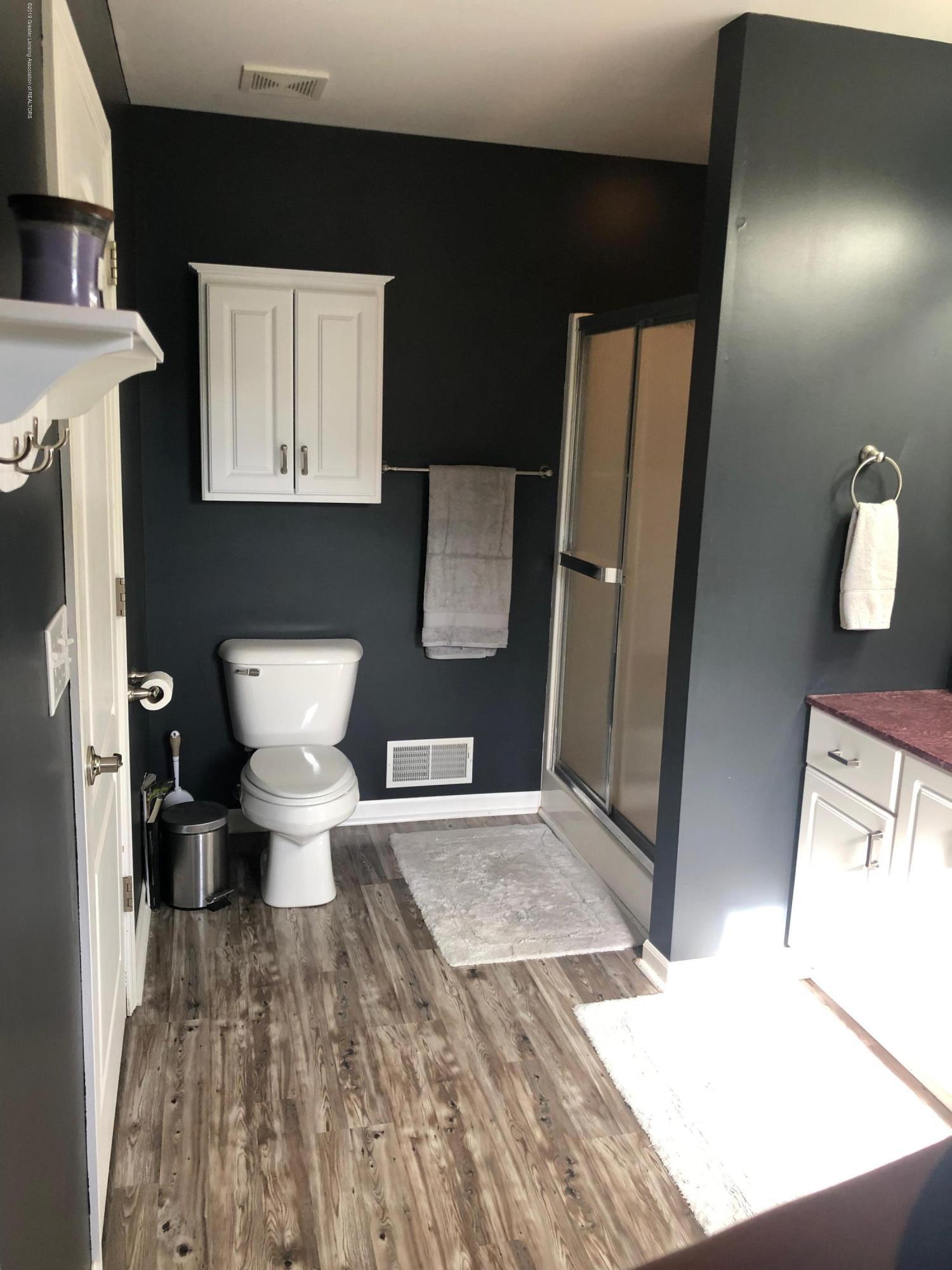 7984 Woodbury Rd - Master Bathroom - 19