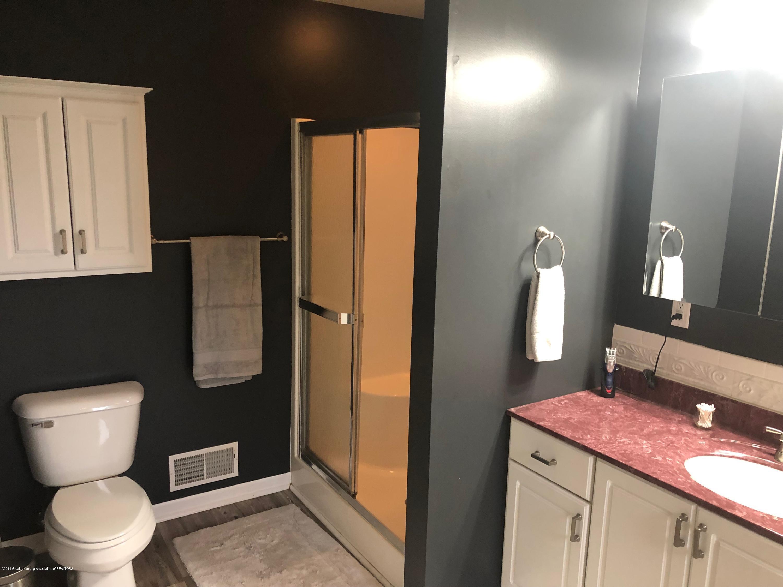 7984 Woodbury Rd - Master Bathroom - 21