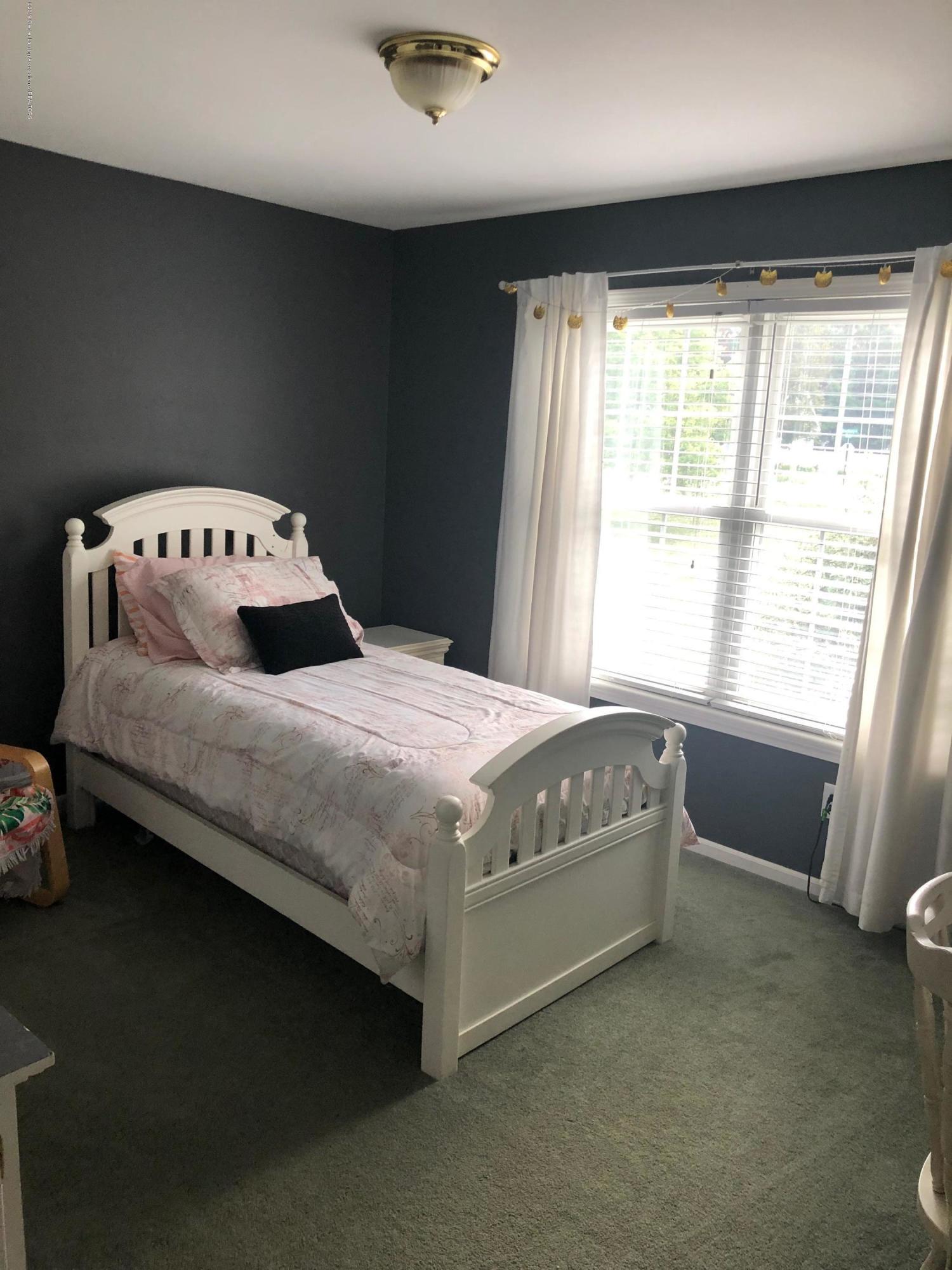 7984 Woodbury Rd - Bedroom 3 - 23