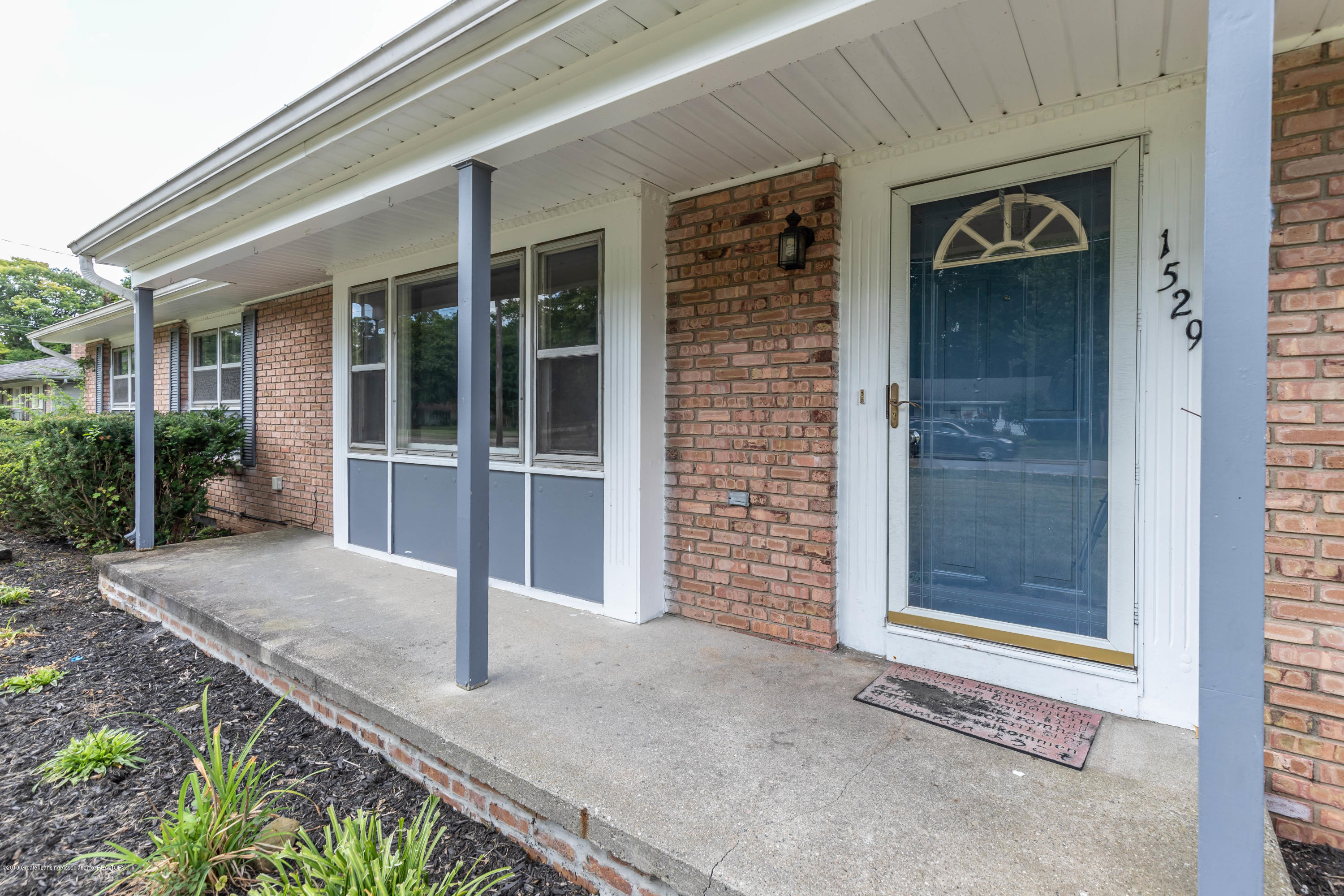 1529 Birchwood Dr - Front Porch - 1