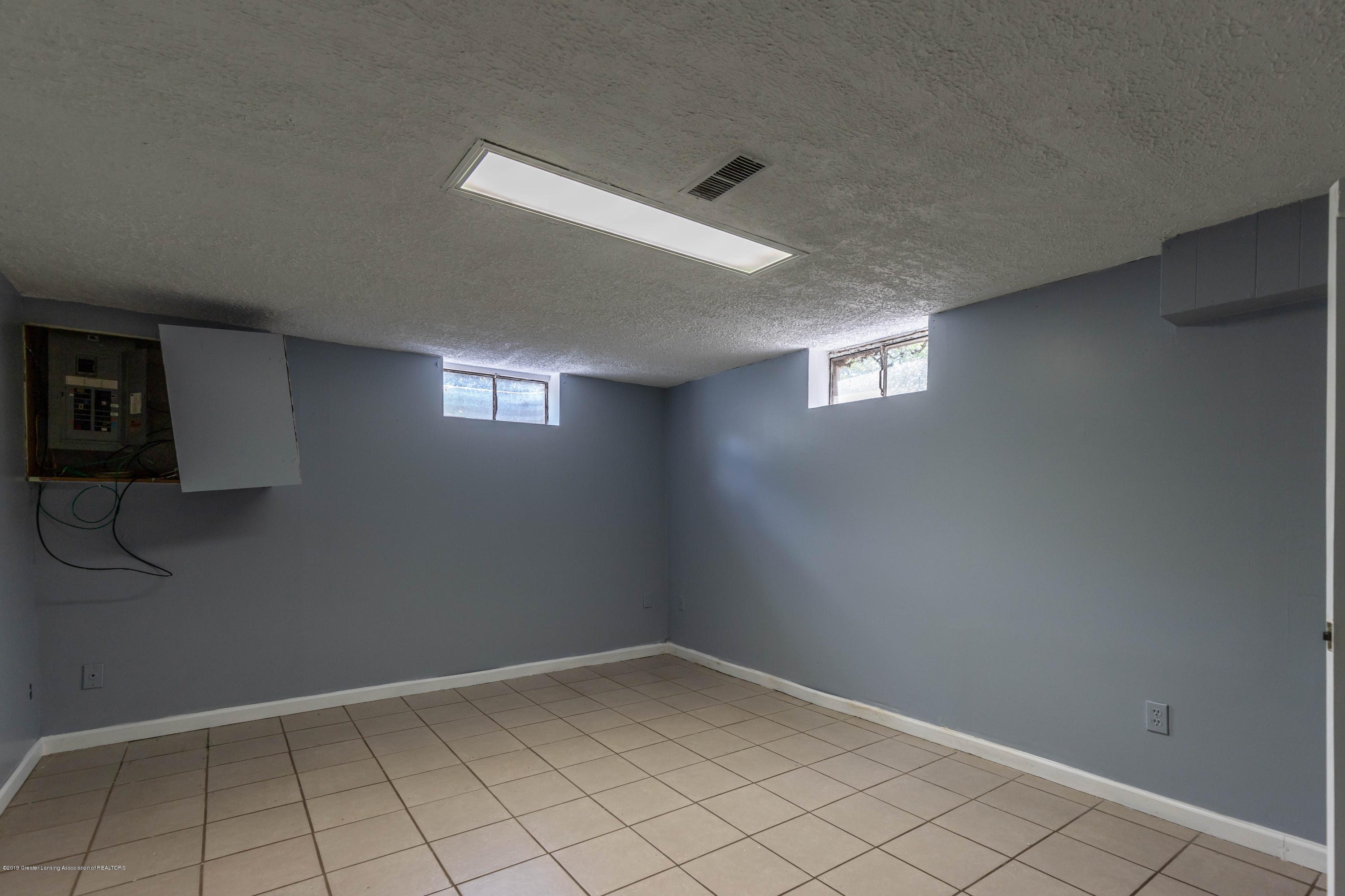 1529 Birchwood Dr - basement office - 25