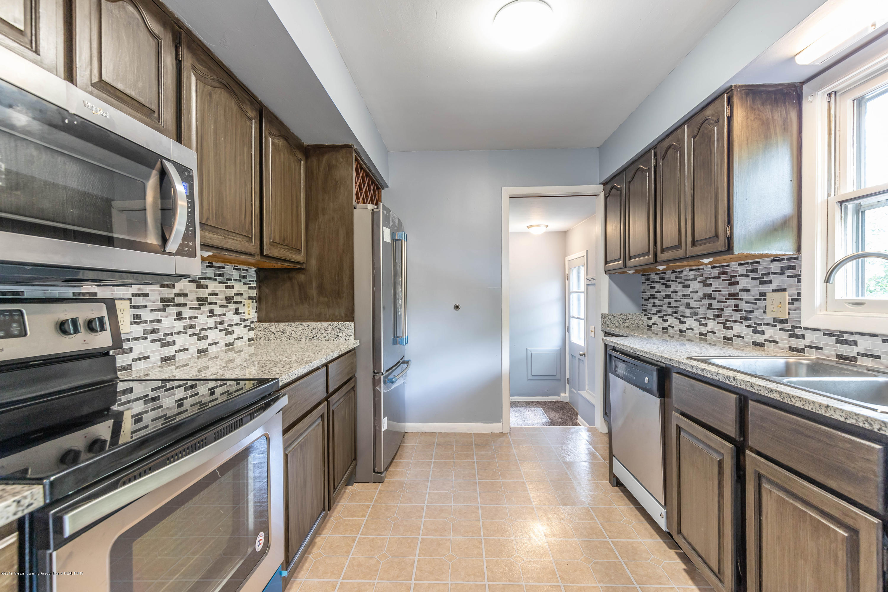 1529 Birchwood Dr - kitchen (2) - 9