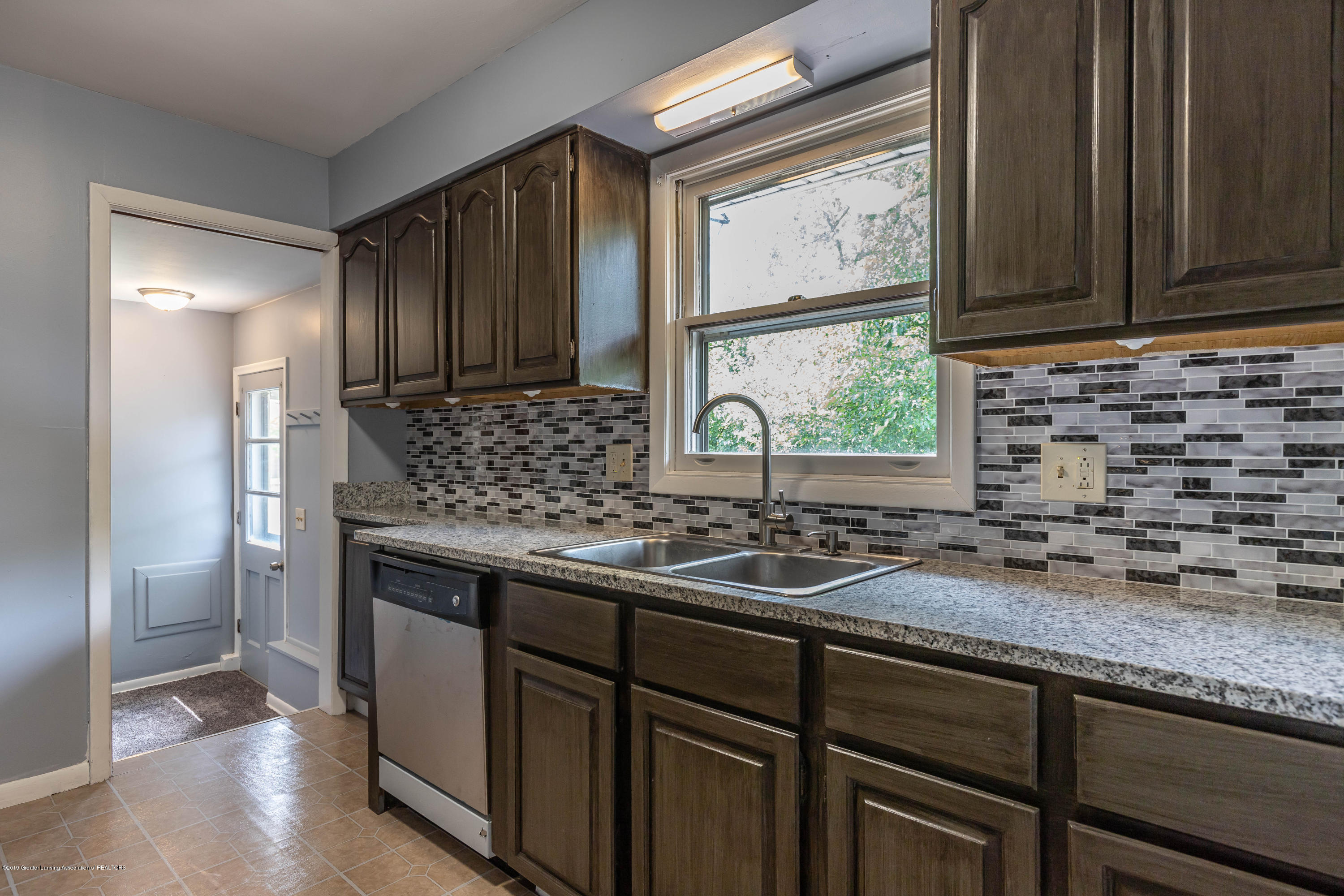 1529 Birchwood Dr - kitchen (1) - 10