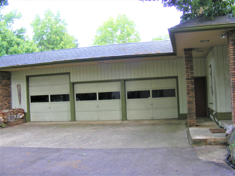 502 Raeburn Rd - garage - 4